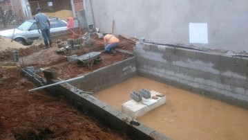 Construção de Piscinas de Alvenaria Taboão da Serra - Construção de Piscina de Fibra Aquecida