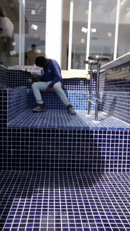 Construção de Piscina Azulejo Jardim Guarapiranga - Construção de Piscina Fibra