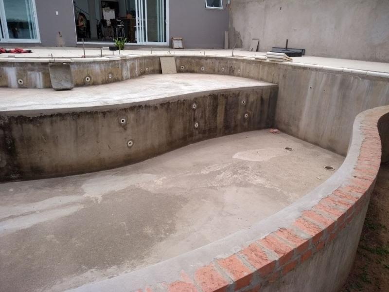 Construção de Piscina de Alvenaria Preço Jandira - Construção Piscina Azulejo