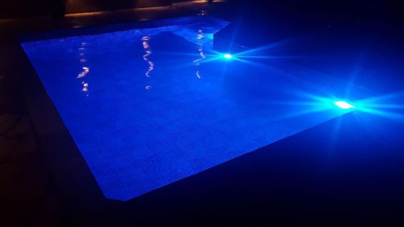 Led para Piscina Preço Ferraz de Vasconcelos - Iluminação para Piscina de Fibra