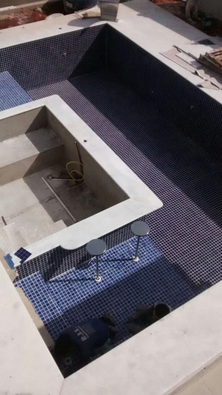 Onde Encontro Construção de Piscina Azulejo Higienópolis - Construção de Piscina de Vinil