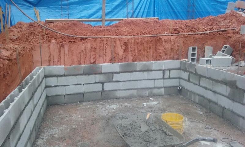 Onde Encontro Construção de Piscina com Prainha Juquitiba - Construção Piscina Azulejo