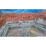 construção de piscina com prainha