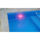 iluminação em led para piscina